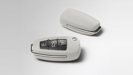 Audi - Leder Schlüsselcover, perl-silber