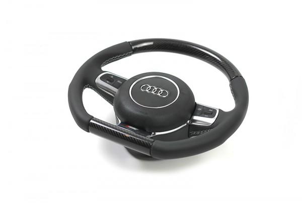 Audi SQ5 Lenkrad im 3-Speichen-Design (unten abgeflacht) mit Schaltwippen und Carbon Segmenten